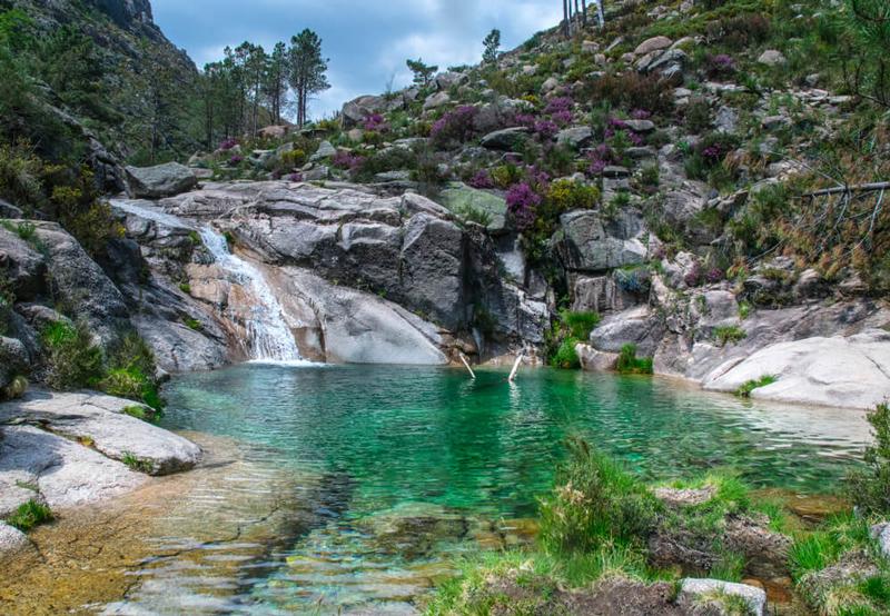 Portugal, turismo fora dos grandes centros: Cachoeira Poço-Azul