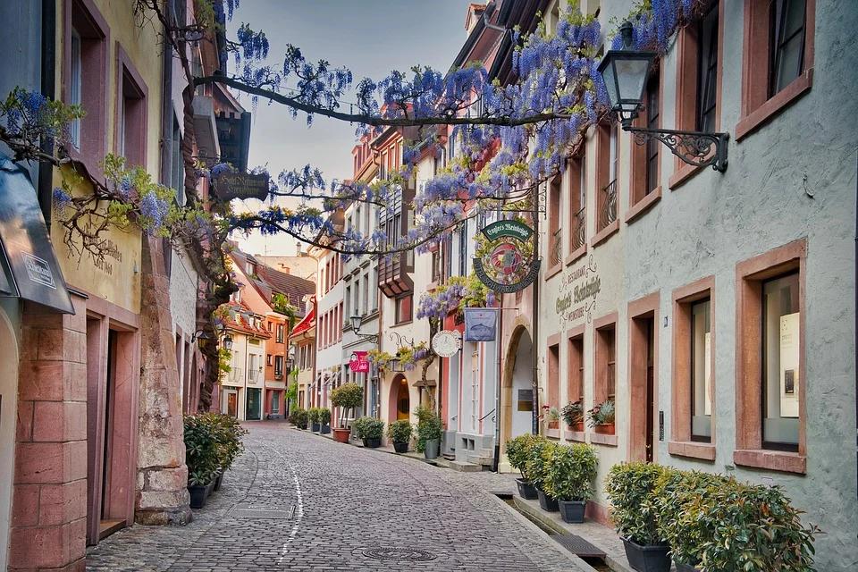 Desvende ruas charmosas e lugares incríveis nos vilarejos ao longo da rota romântica na Alemanha