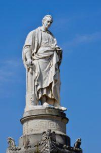Alessandro Volta, o inventor da pilha elétrica e cidadão ilustre da cidade de Como na Itália