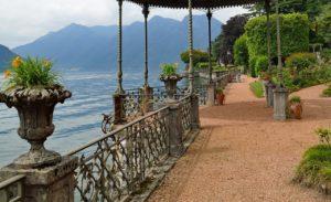 Passeio na Villa Olmo no Lago de Como na Itália