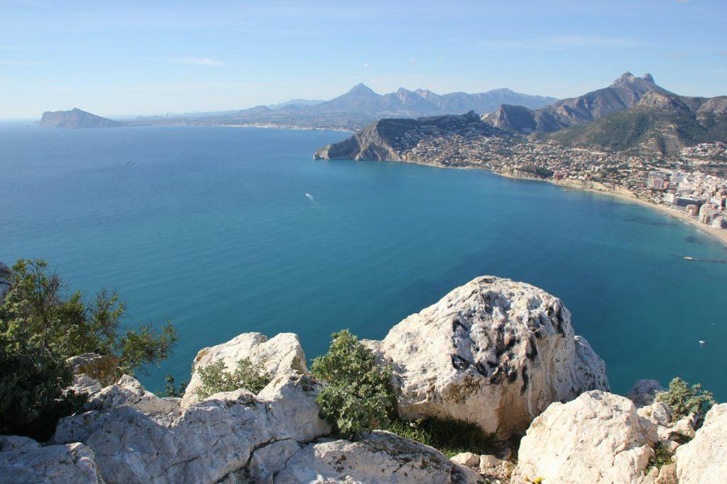 Alicante na Espanha, reserva uma das mais belas praias espanholas no mar mediterrâneo